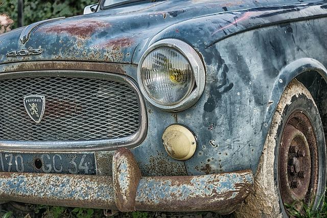 La importancia de que lleves tu coche viejo al desguace