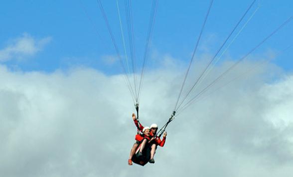 Una agencia de vuelos en parapente de lujo en Tenerife